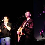 Pertunjukkan Musik Touring 3 Hours of Geek and Music yang Diadakan pada Kesempatan yang Berbeda