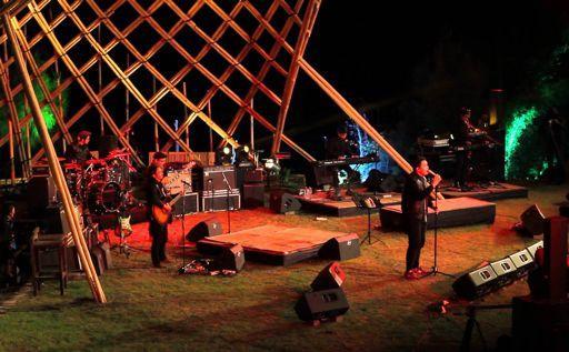 Kursi Pertunjukan Musik 3 Hours of Geek and Music Selalu Penuh