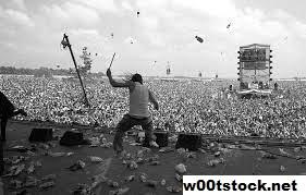 Woodstock '99 Adalah Simbol Kacaunya Musik Akhir Dekade 90-an